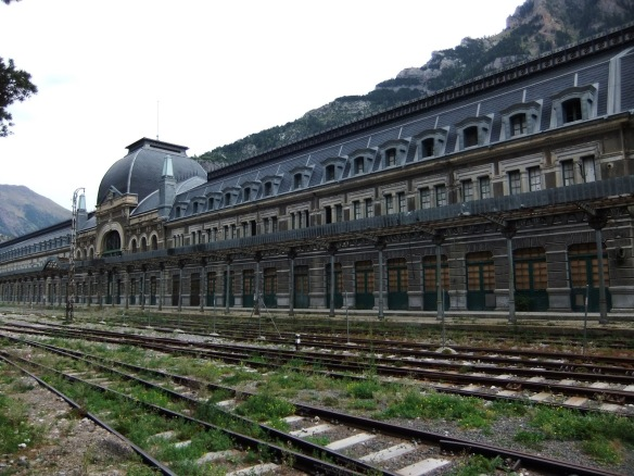 canfranc_station_05